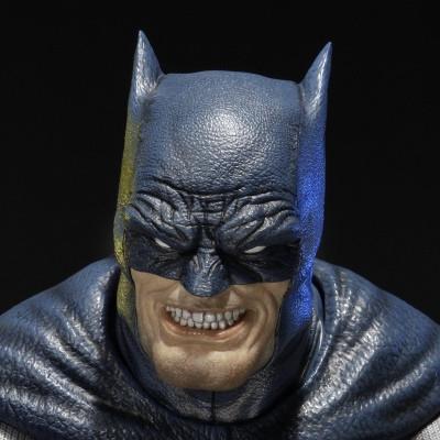 プレミアムバスト バットマン:アーカム・シティ ダークナイト・リターンズ バットマン ブルーバージョン
