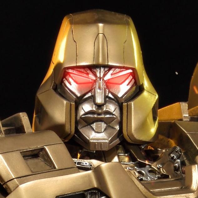プレミアムマスターライン トランスフォーマージェネレーションズ メガトロン ゴールド版